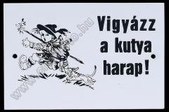 kutya_harap_tabla_fem_szitazott